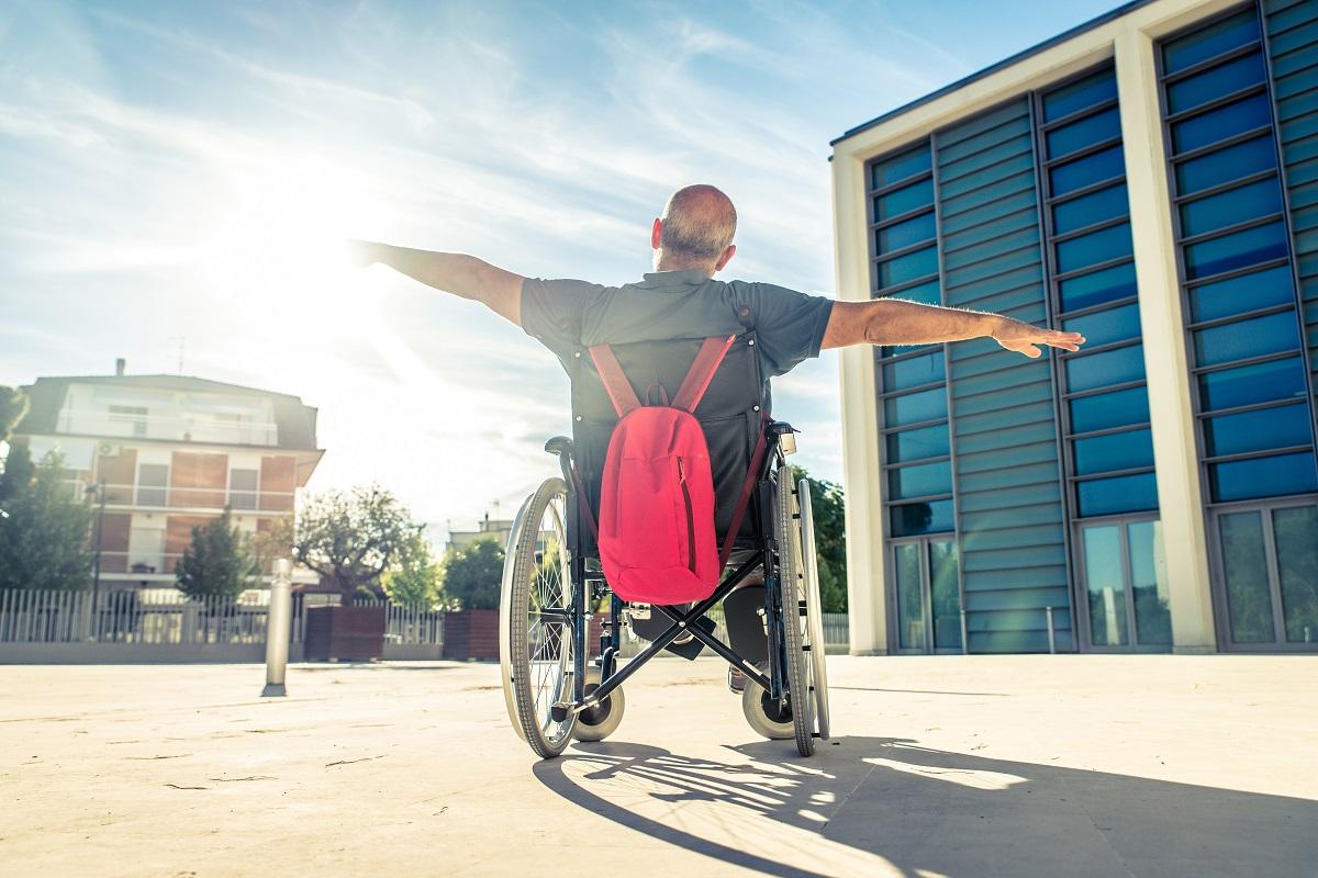 איש על כסא גלגלים - רשלנות רפואית